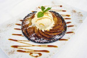 Caramelised apple pie with vanilla ice cream